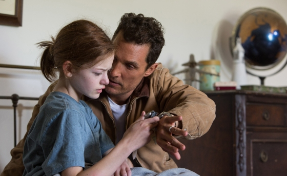 Left to right: Mackenzie Foy and Matthew McConaughey in INTERSTELLAR, from Paramount Pictures and Warner Brothers Pictures, in association with Legendary Pictures.