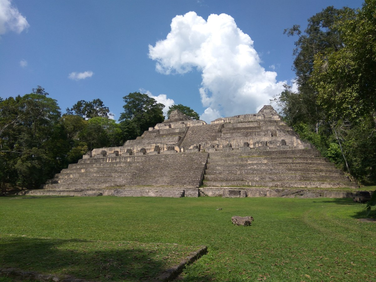 Maya Adventures /1 - Xunantunich and Caracol