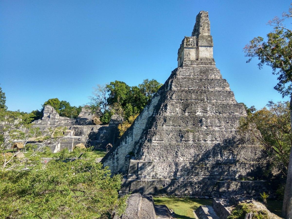 Maya Adventures /2 - Flores and Tikal